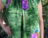 Vintage Made in Hawaii Mu'u mu'u from 1960's, Size Small