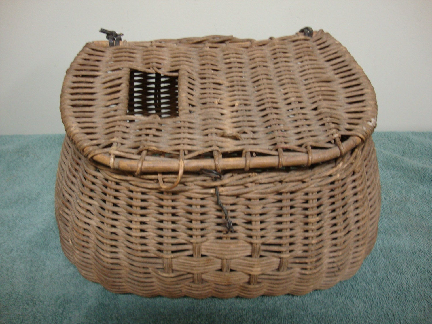 Antique woven basket fishing creel by edsfinds on etsy for Fishing creel basket
