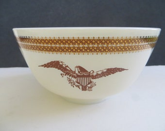Pyrex 1960s Mid Century Federal Eagle 1 and 1/2 Quart Mixing Bowl