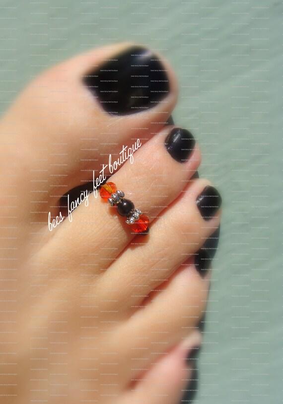 Toe Ring - Fire Topaz Crystals - Black Bead - Stretch Bead Toe Ring