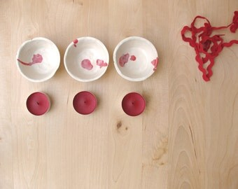 Candle holders Ceramics White and red small ceramic bowls Three 3 tea light holders  - Ready made