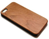 Wooden iphone 5, 5s SE cases with sturdy rubber bumper - real bamboo or black walnut wood - for laser engraved designs