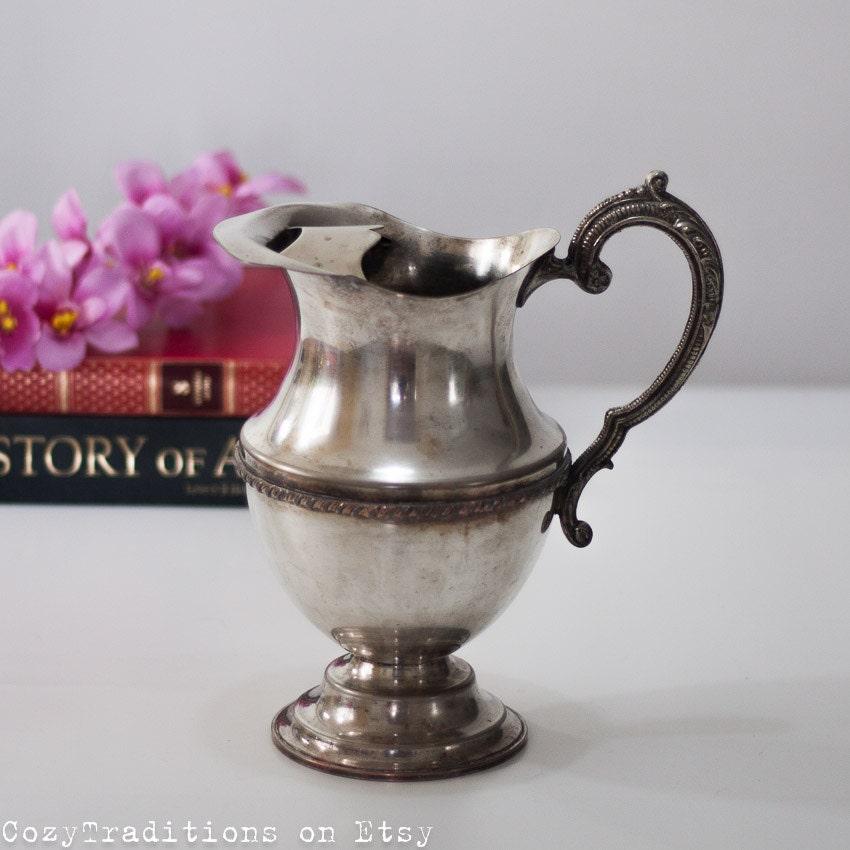 Silver Pitcher / Vase / Jug : - 83.8KB