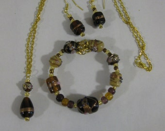 Floral Glass Bead Jewelry Set with Gold Plate Wires