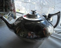 Beautiful antique late 1800s/early 1900s silver-plate EPBM tea pot, over 100 years old, finest quality piece in lovely design