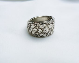 Beautiful Antique Silverplate Nacissus SpoonRing,  SIZE 7