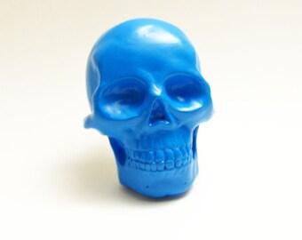 Blue skull brooch / magnet handmade