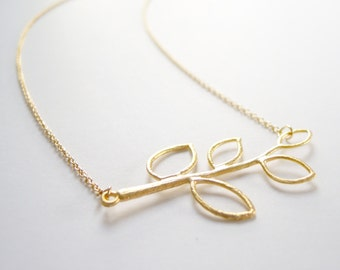 Delicate gold branch leaf necklace