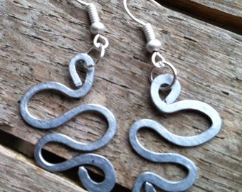 Curvy Hammered Matte Silver Wire Earrings ER-061914-12