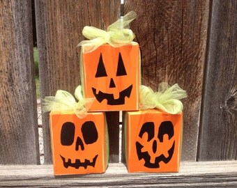 Halloween wood pumpkins-- Trio Pumpkin, Jack O Lanterns