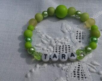 Super cute green name bracelet, girls bracelet, name Tara