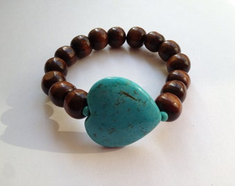 Wood beads bracelet with turquoise dyed howlite heart