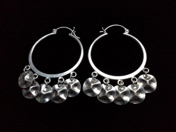 real silver dangling disc pierced hoop earrings of 925