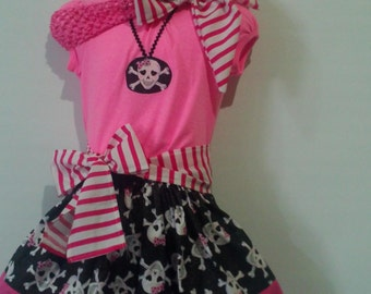 Little Girl COSTUME .Black and Pink PIRATE . 4 PIECES.  Halloween Pirates. Pirate Skirt. Pink Skull.
