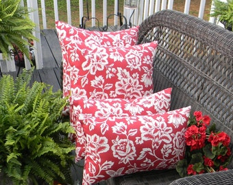 "Set of 4 - Indoor / Outdoor 17"" x 17"" & Rectangle / Lumbar Pillows - Red and White Floral Pattern"