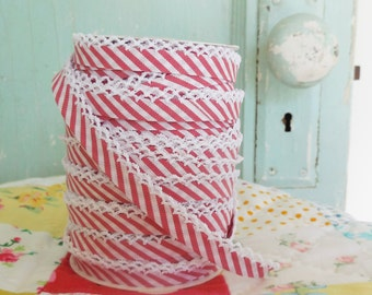 Candy Cane Stripe Crochet Edge Bias Tape (No. 104). Red White Stripe Bias Tape.  Crochet Edge Bias Tape.