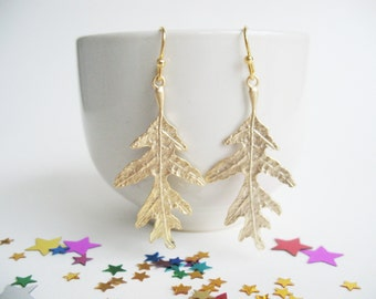 Oak Leaves Earrings Woodland Lovers Earrings Realistic Leaf Jewelry Forest Bridesmaid Gift Woodland Wedding Tree Leaves Earrings Gold Leaves