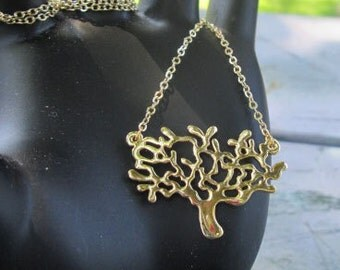 Fabulous Tree Of Life Gold Plated Necklace Stunning