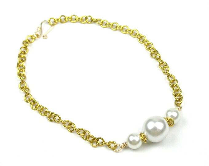 Pearl Statement Necklace with Chunky Gold Chain and White Faux Pearls