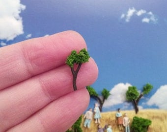 5  micro miniatures trees for terrarium or diorama under the dome tv series
