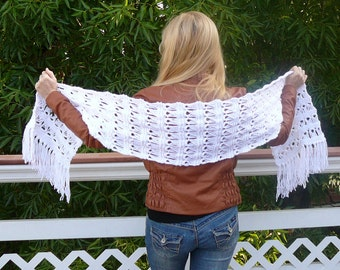 Scarf.Hand Knit Scarf. Women scarf. White scarf. Hand knitted women scarf. MADE TO ORDER