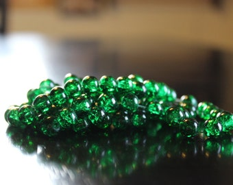 100 approx. green 8 mm crackle glass beads, 1mm hole, Christmas or kelly green, round