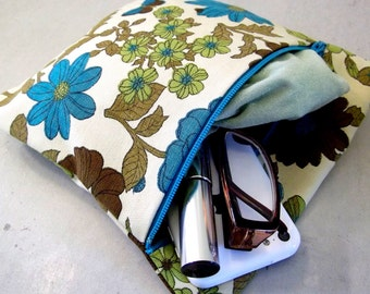 Fabric Zipper Pouch Bag made of Vintage repurposed materials.