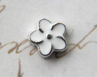 Floating Charm For Glass Memory Lockets- White Flower