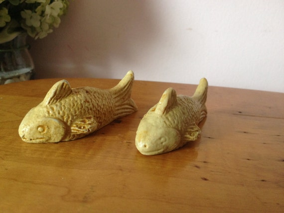 Vintage set of 2 koi fish resin fish statue by for Koi fish figurines