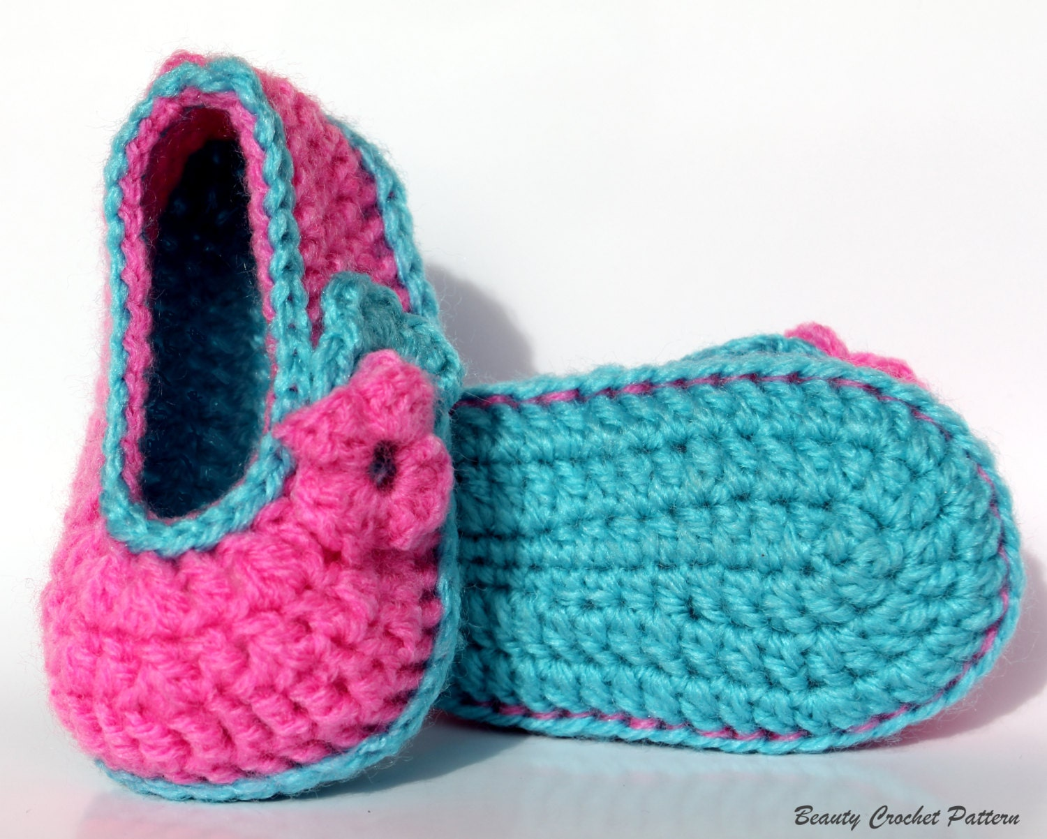 Baby girl crochet shoes generally come in three different sizes: small for ages 0 to 3 months, medium for 3 to 6 months, and large for 6 to 12 months. When searching the inventory on eBay for the perfect shoes, keep in mind that babies are notorious for kicking their shoes off.