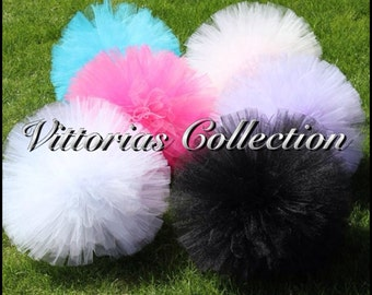 FREE Gorgeous tulle pom pom for nursery/bedroom, weddings, celebrations, photo props, party decorations and more.