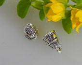 10 THIMBLE Charms for jewelry, jewelry findings, sewing charms, dollhouse miniature, tiny thimble, miniature thimble, silver thimble charm
