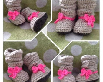 Adorable Slouchy Booties with a Bow