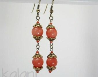 Boucles d'oreille bohêmes romantiques - agate teintée orangé clair et doré vieilli - Fait main