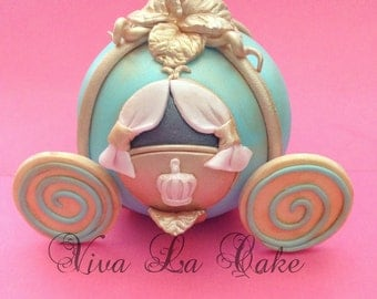 Princess carriage topper in Fondant