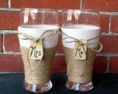 Personalized Wedding Glasses / Gift for Couple / Rustic Wedding Glass / Engagement Gift / Country Wedding Toasting Glasses / Beer Glasses