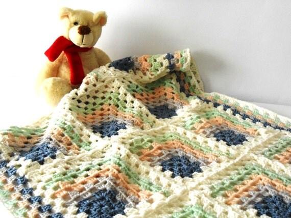Coperta a uncinetto coperta per lettino baby di cosediisa for Piani di coperta facili