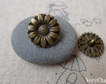 10 pcs Antique Bronze Daisy Flower Metal Buttons Charms 17mm A7299