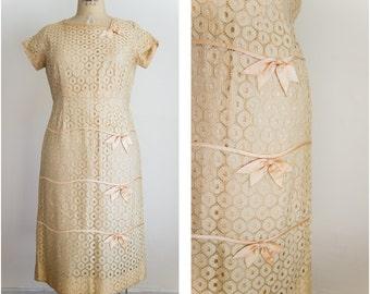 50s ecru lace and peach bows dress  / vintage / size medium / tuscan sunset dress