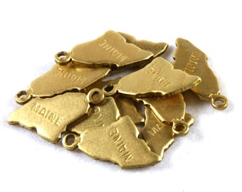 6x Brass Engraved Maine State Charms - M057-ME