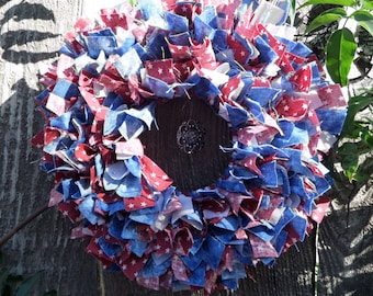 "6"" Country/ Fourth of July Mini Rag Wreath with Charm"