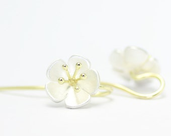 Flower-eardrops - Yellow gold and silver