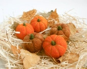 Set of  five Felted Mini Pumpkins, Primitive Fall Decor, Thanksgiving, Table and Shelf Decorations, Halloween party, Orange, MADE TO ORDER