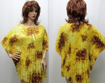 Vintage 60's Hawaiian Blouse, 60s Floral Blouse, Pleated Hawaiian Blouse