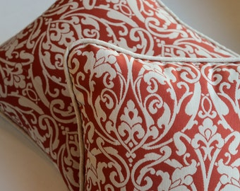 Set of 2 Outdoor / Indoor Red and White Decorative Pillow Cover Pair