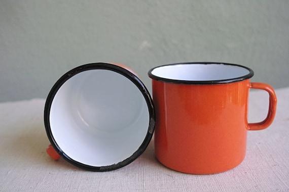 vintage 70s mug tasse en tole emaillee 1 orange enameled. Black Bedroom Furniture Sets. Home Design Ideas
