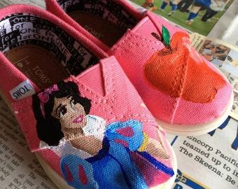 Snow White Toms EXAMPLE