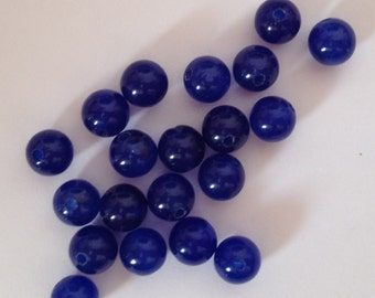 20 pearls in lapis blue 7mm.