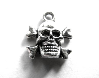 10 Silver Skull and Crossbones Charms