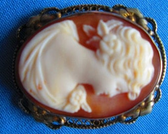 Antique Shell Cameo Brooch/Pendant